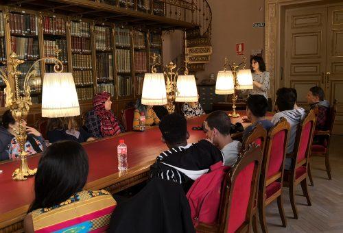 Más de 1.000 personas han disfrutado este año de las visitas a la biblioteca del palacio de Sástago de la Diputación de Zaragoza