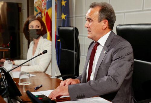 El Gobierno de Sánchez Quero lanza un plan extraordinario de 4,8 millones de euros para mejorar las carreteras provinciales