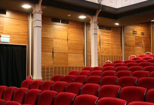 La DPZ convoca 190.000 euros en ayudas para que los municipios programen actuaciones en sus teatros y salones de actos